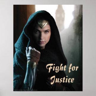 Wunder-Frau im Mantel Poster