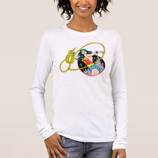 Wunder-Frau mit Stadt-Hintergrund Langärmeliges T-Shirt
