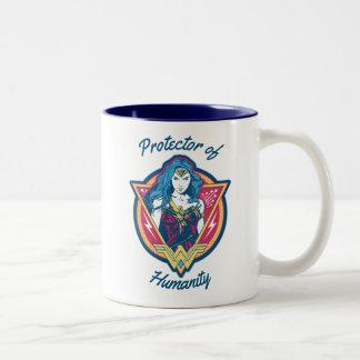 Wunder-Frau Tri Farbegraphik-Schablone Zweifarbige Tasse