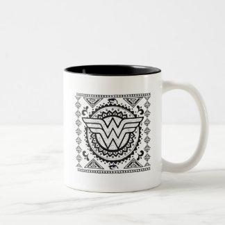 Wunder-Frauen-geistiger Stammes- Entwurf Zweifarbige Tasse