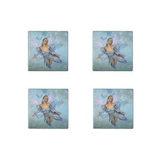 Wunderbare Fee mit Fantasievögeln Steinmagnet