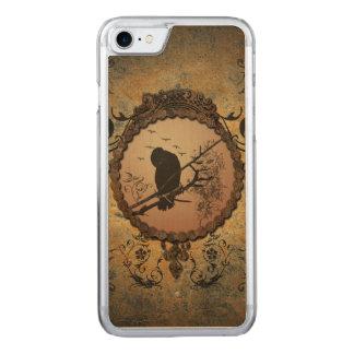 Wunderbarer Vogel in einem Kreis Carved iPhone 8/7 Hülle