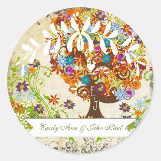 Wunderliche Blumen-Baum-Hochzeit Runder Aufkleber
