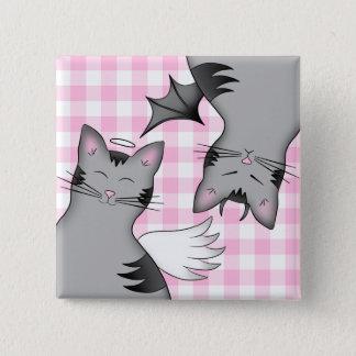 Wunderliche graue Tabbykatzen auf rosa Gingham Quadratischer Button 5,1 Cm
