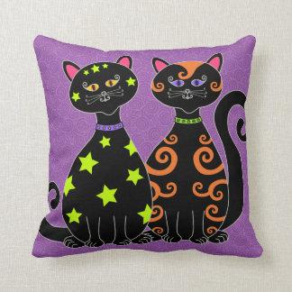 Wunderliche schwarze Katzen Halloween Kissen