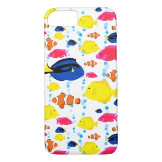 Wunderliche und bunte tropische Fische und Blasen iPhone 8/7 Hülle