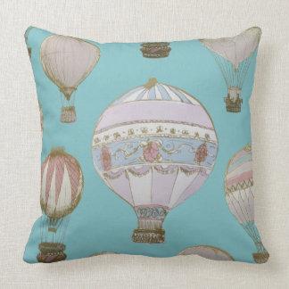Wunderlicher Heißluft-Ballon - Königsblau Kissen
