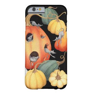 Wunderlicher Mäuse-und Kürbis-Herbst Barely There iPhone 6 Hülle