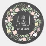 Wunderliches BlumenKranz-Tafel-Monogramm Runder Sticker