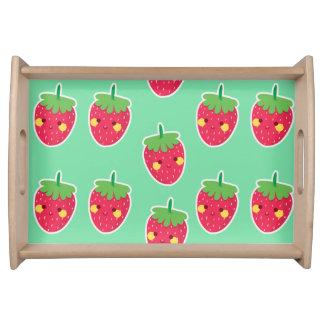 Wunderliches niedliches Erdbeercharaktermuster Tablett