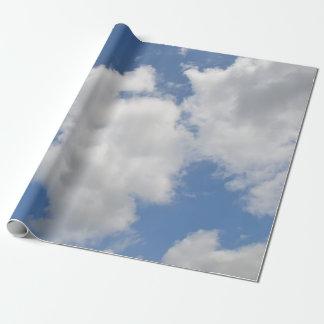 Wunderliches Wolken-Packpapier Geschenkpapier