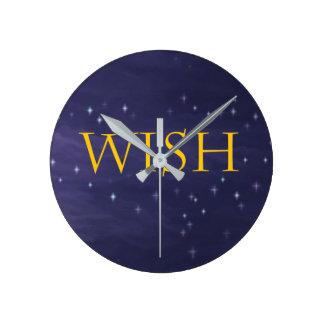 Wunsch-Uhr mit magischem Himmels-Hintergrund Runde Wanduhr