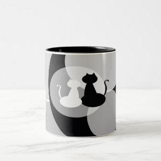 Würdevolle weiße und schwarze Katzen-Tasse Zweifarbige Tasse