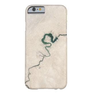 Wüsten-Fluss-Antennen-Sprung Barely There iPhone 6 Hülle