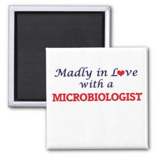 Wütend in der Liebe mit einem Biologen Quadratischer Magnet