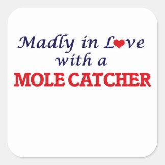 Wütend in der Liebe mit einem Mole-Fänger Quadratischer Aufkleber