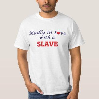 Wütend in der Liebe mit einem Sklaven Shirts