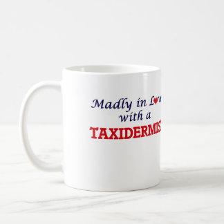 Wütend in der Liebe mit einem Taxidermist Kaffeetasse
