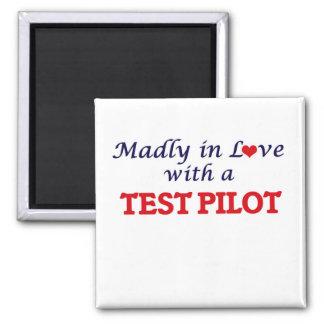 Wütend in der Liebe mit einem Test-Piloten Quadratischer Magnet