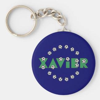 Xavier im Fußball-Grün Standard Runder Schlüsselanhänger