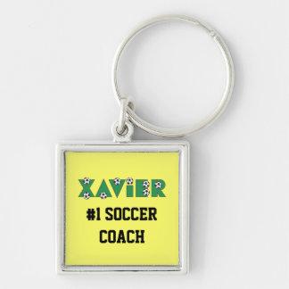 Xavier im Fußball-Grün Silberfarbener Quadratischer Schlüsselanhänger