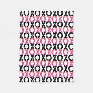XOXO | schwarzes u. rosa Muster Fleecedecke