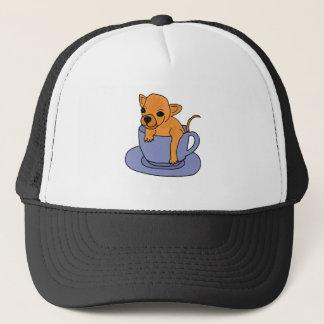 XX Chihuahua in einem Teacup Truckerkappe
