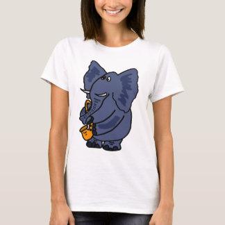 XX Elefant, der Saxophon spielt T-Shirt