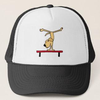 XX gelbes Labrador auf Schwebebalken-Cartoon Truckerkappe