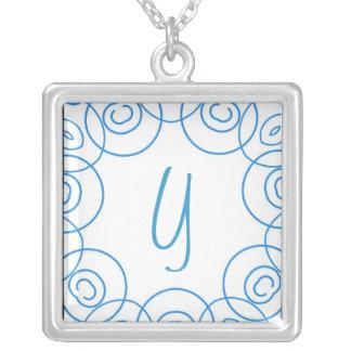 """""""Y-"""" Initiale in der blauen Rolle auf Weiß, Spaß-E Personalisierte Halskette"""