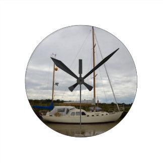 Yacht Aska Runde Wanduhr