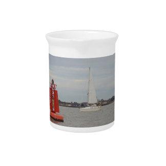 Yacht-Schwertwal Getränke Pitcher