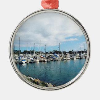 Yachten Rundes Silberfarbenes Ornament