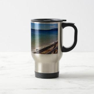 Yellowstone-Brücke über Wasser (abstraktes Wasser) Reisebecher