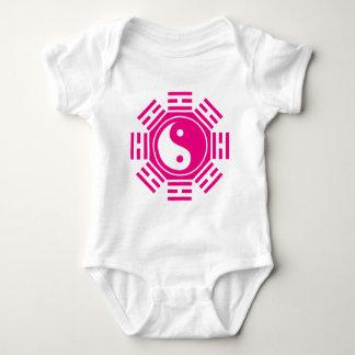 YIN U. YANG BABY STRAMPLER