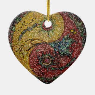 Yin und Yang Anhänger: Herz. Keramik Herz-Ornament
