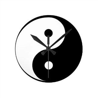 Yin und Yang Runde Wanduhr