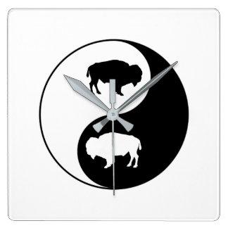 Yin Yang Bison Quadratische Wanduhr