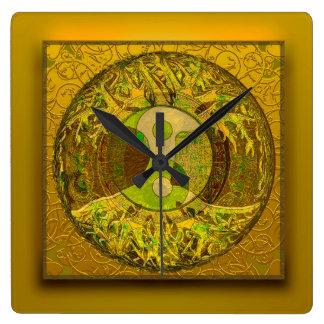 Yin Yang in den goldenen Farben Quadratische Wanduhr