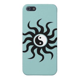 Yin-Yang Sun-Schwarz/Weiß auf weich Blau iPhone 5 Case