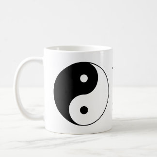 Yin Yang Symbol-Schwarz-weißer Name Kaffeetasse