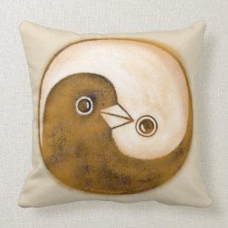 Yin Yang Tauben, Gold und polieren ein Kissen