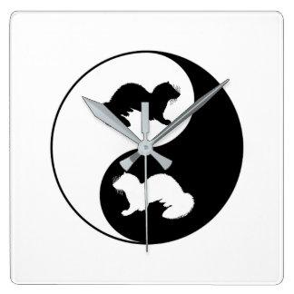 Ying und Yang-Frettchen Quadratische Wanduhr