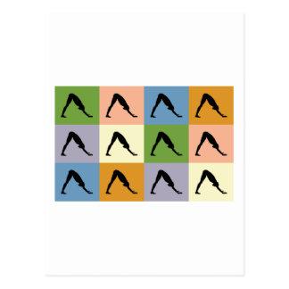 Yoga-abwärtsgerichteter Hund Postkarte