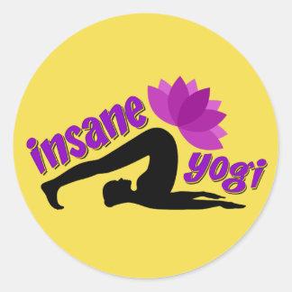 Yoga-Aufkleber mit geisteskrankem Yogizeichen Runder Aufkleber