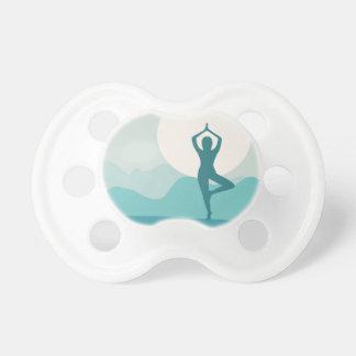 Yoga-Baum-Pose Schnuller