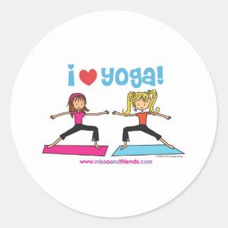 Yoga der Liebe I Runder Aufkleber