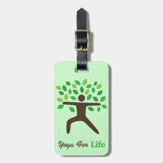 Yoga für Leben-Krieger-Pose mag einen Kofferanhänger