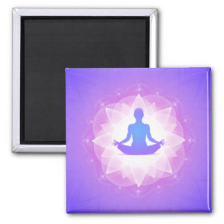Yoga-Harmonie-lila Blumenkunst-Illustration Quadratischer Magnet
