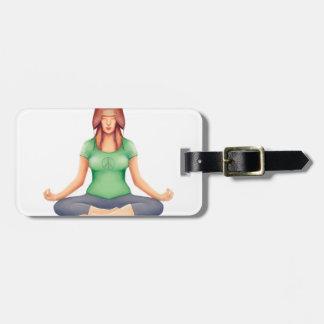 Yoga-Mädchen mit einem Bärn-Hut Kofferanhänger
